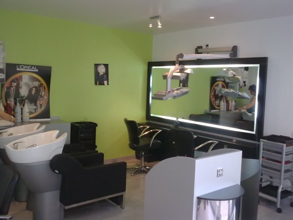 R novation sol mur et plafond salon de coiffure le mans for Salon de coiffure le mans